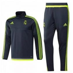 Training children suit Real Madrid